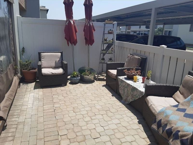 Townhouse For Sale in Pomona