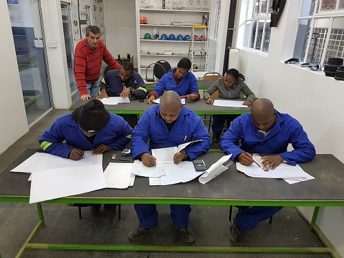 BOILER MAKER / WELDING, DIESEL MECHANICS, Practical skills training 0610537016