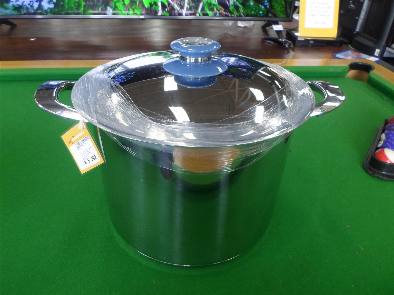 Large AMC Pot