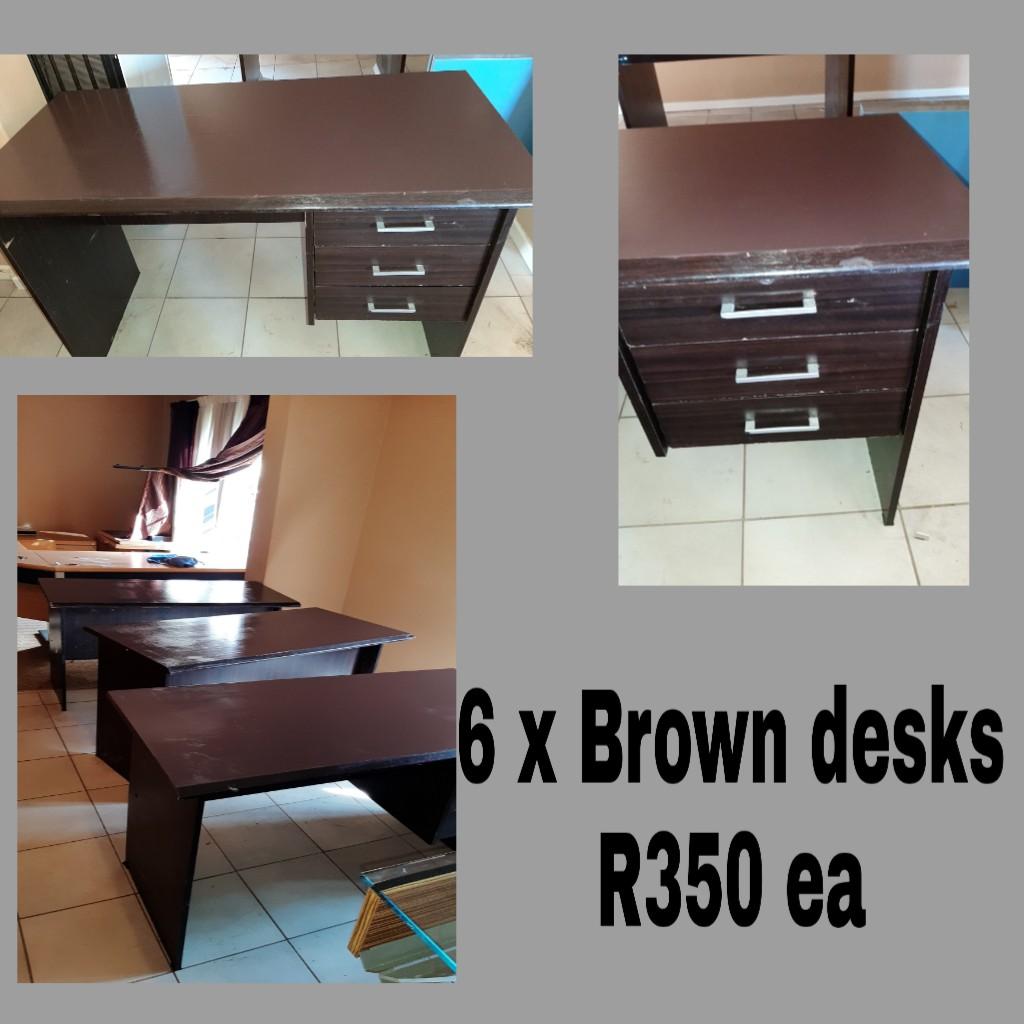 2 x desks
