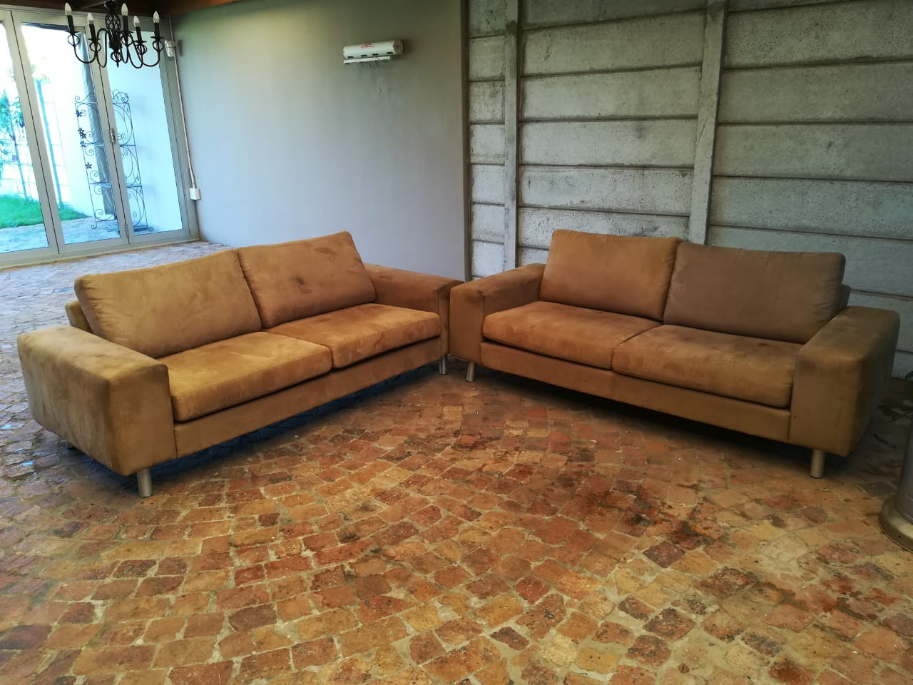 2 Weylandts Second Hand Sofas R2 000 00 Phone Mark 084 247 4726