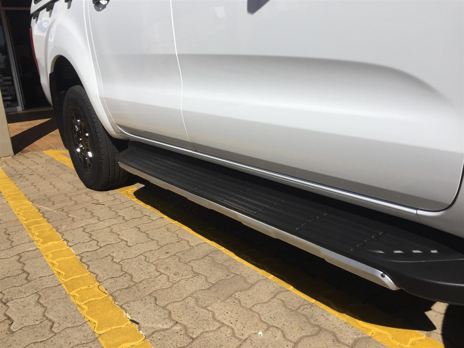Car Accessories Side Steps and Step Sill Plates