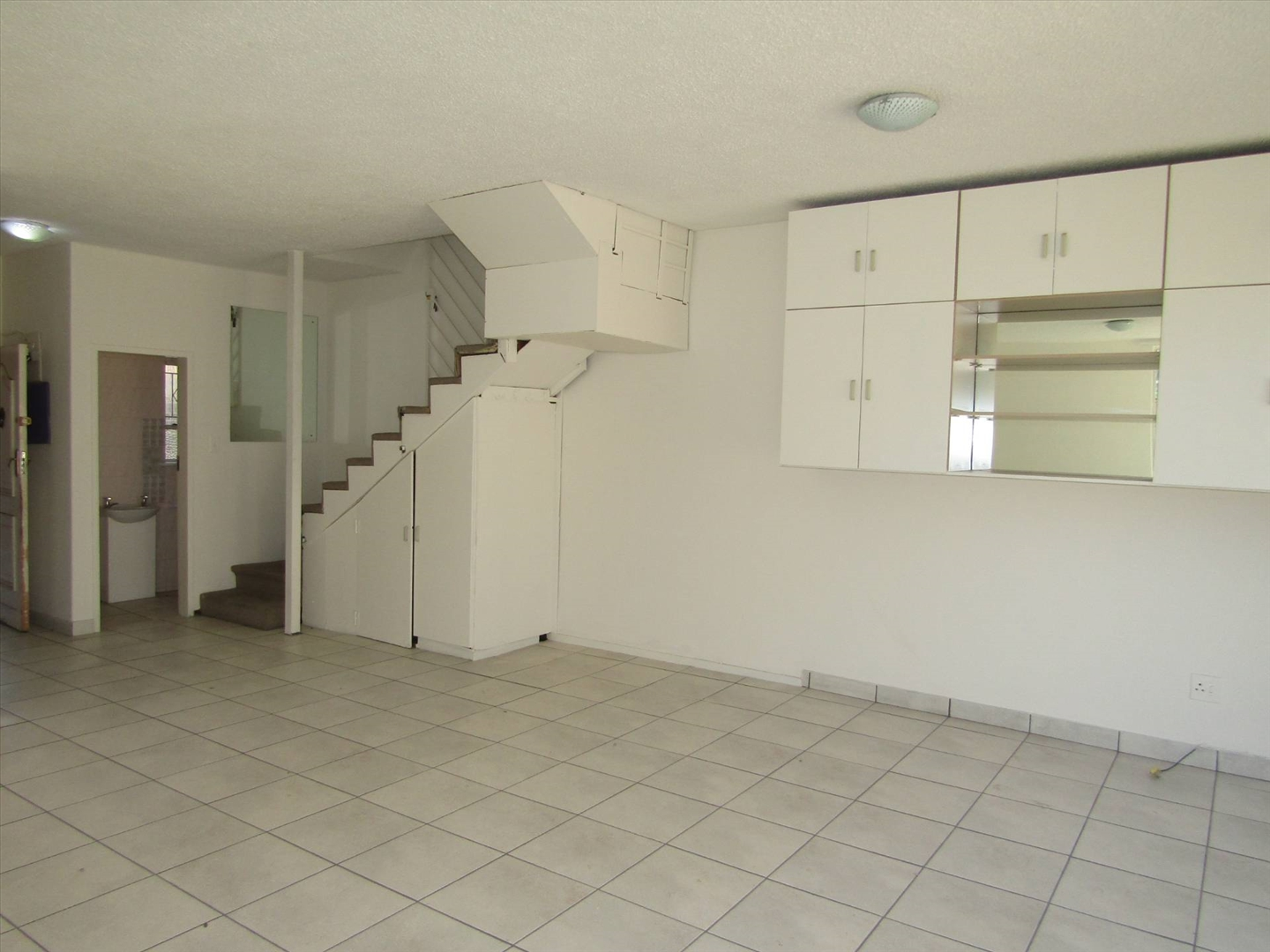 Townhouse For Sale in Fairmount