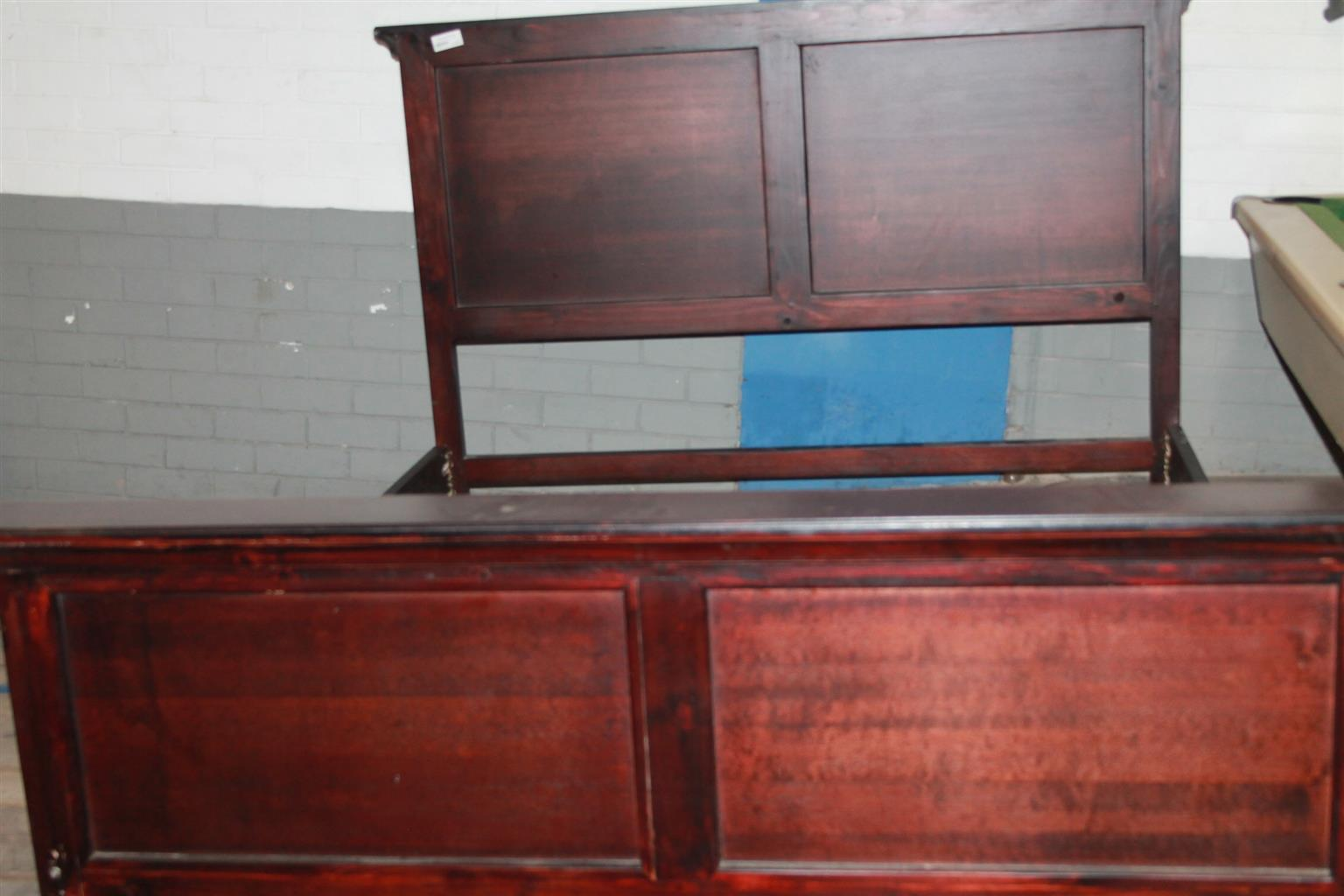 Wooden sleigh bed S029375a #Rosettenvillepawnshop