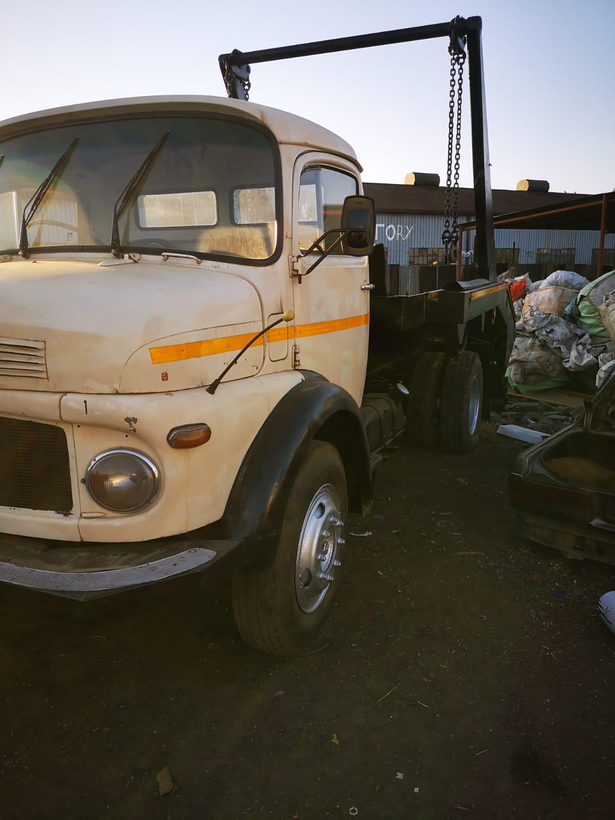 Skiploader truck for sale