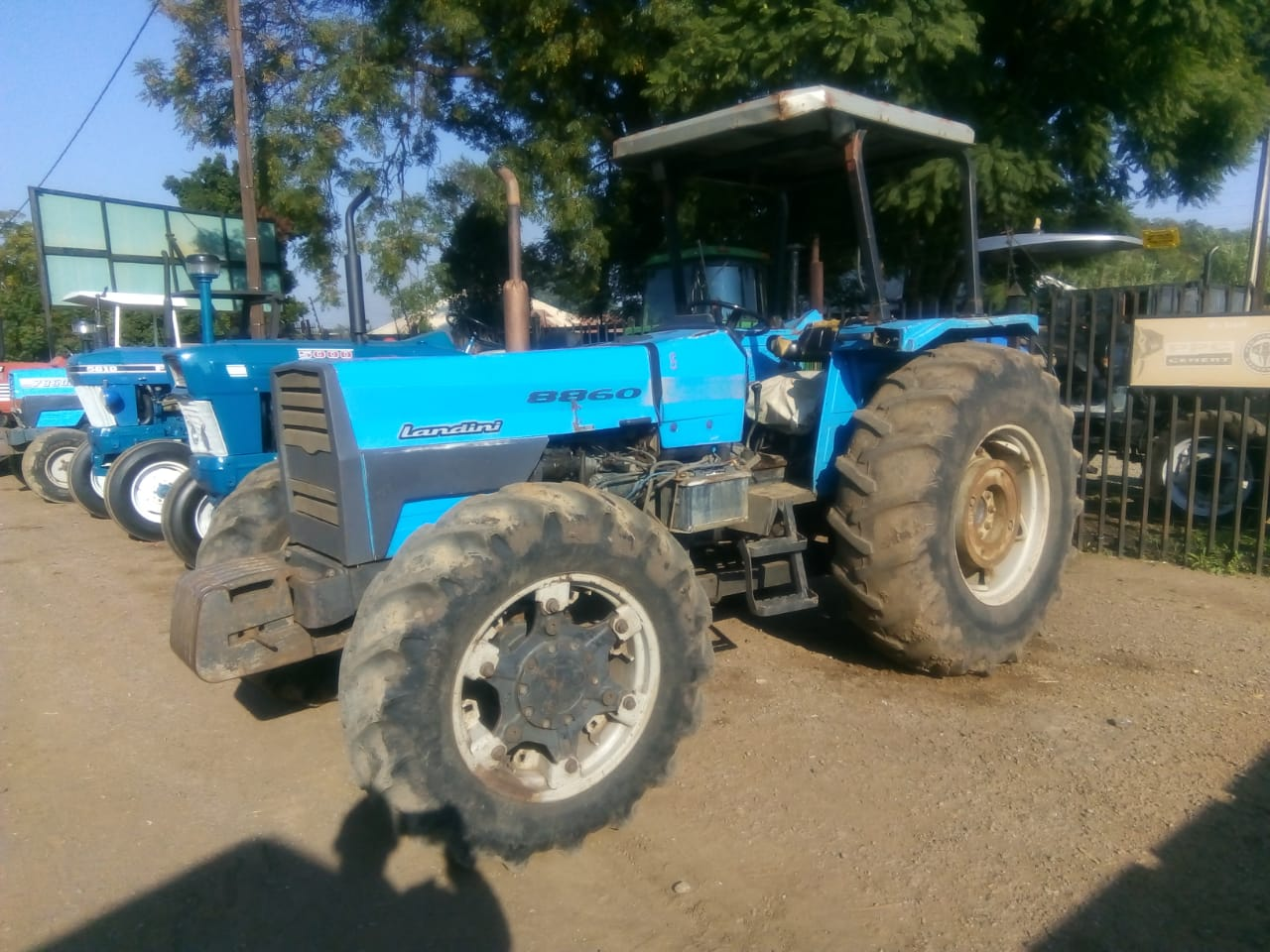 Blue Landini 8860 59.7Kw / 80 Hp 4x4 Pre-Owned Tractor