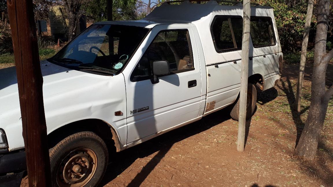 1996 Isuzu KB 250