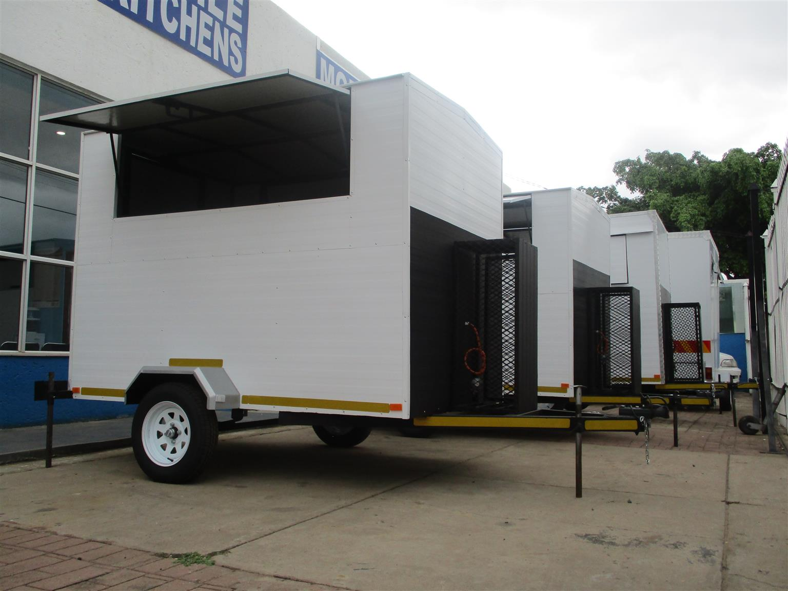 2.5M Mobile Kitchen Special