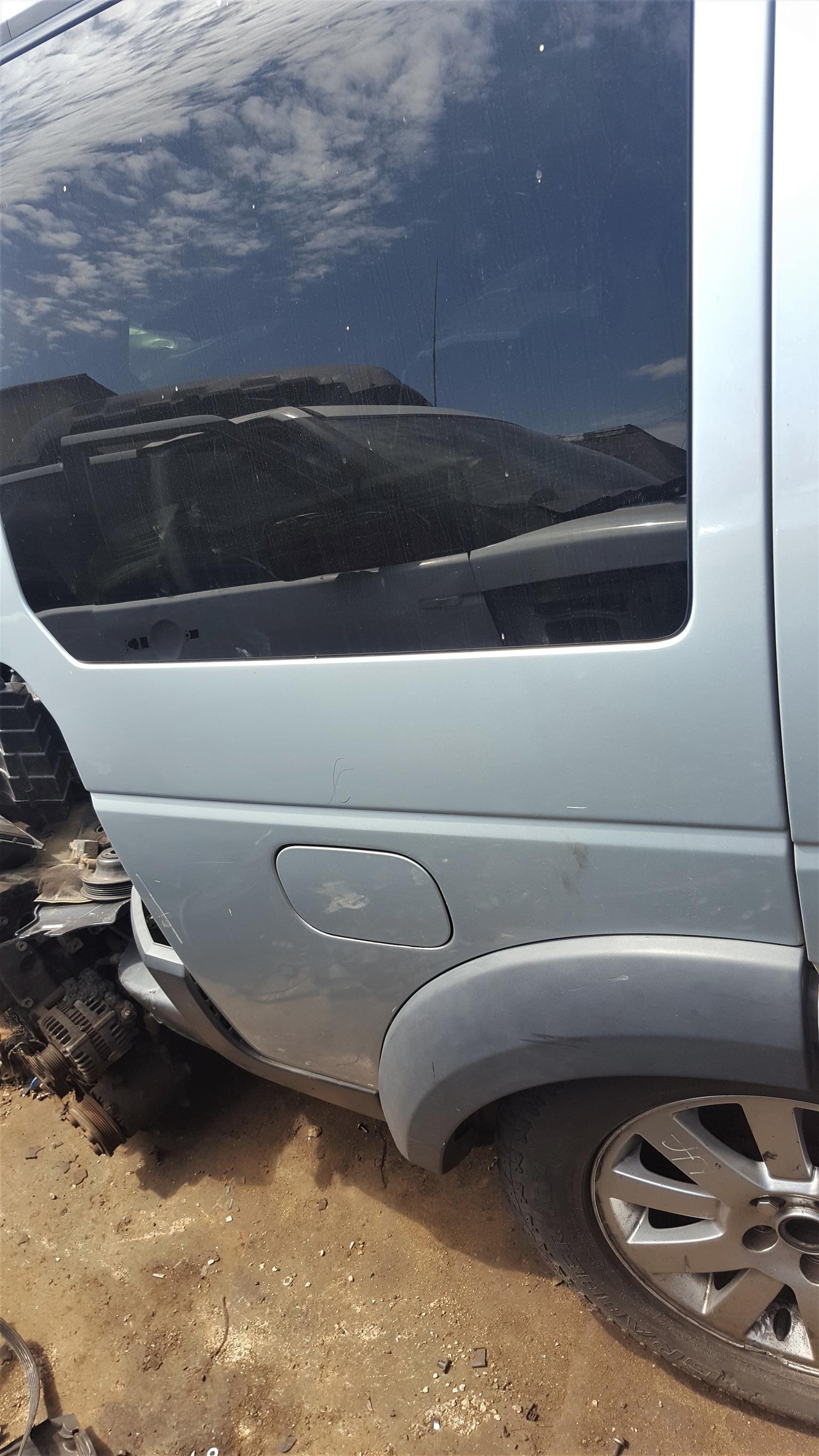 Various Land Rover Quarter Sections for sale | Auto EZI