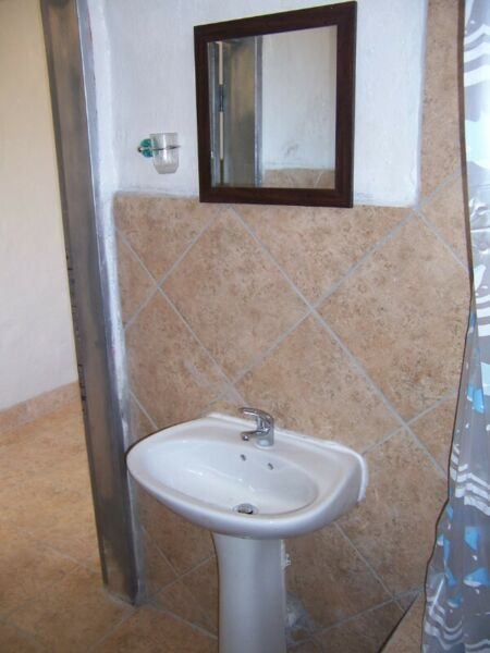 Garden Cottage Single Lady  Room Rental