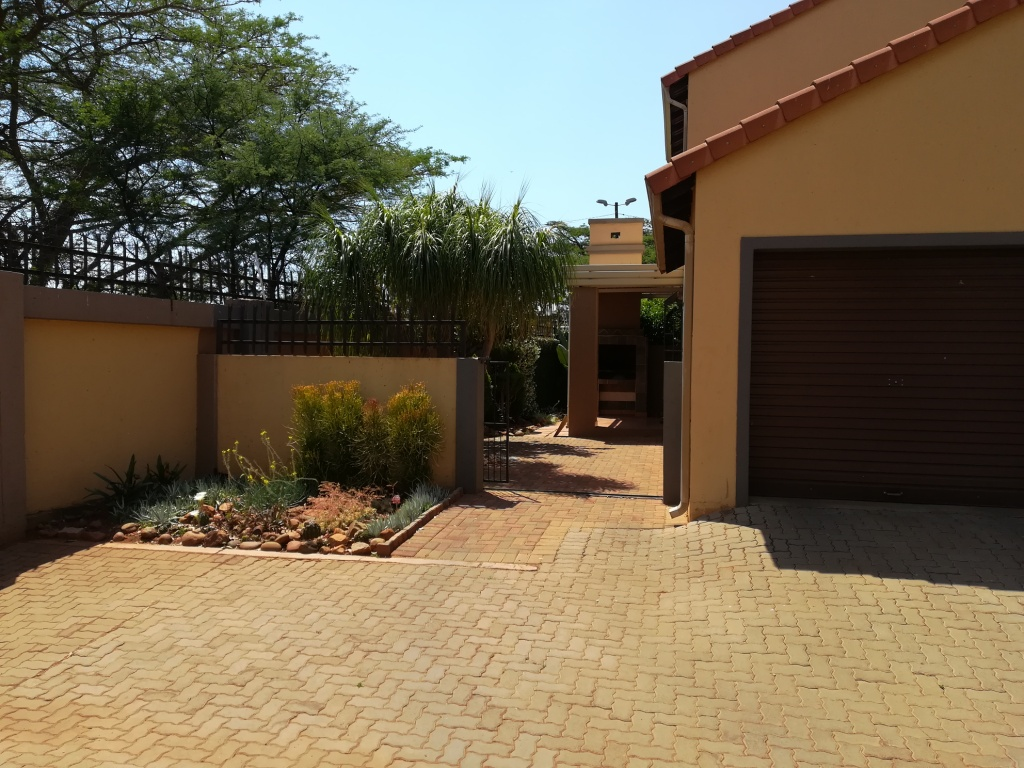 Beautiful townhouse for sale in Eldorette, Pretoria North
