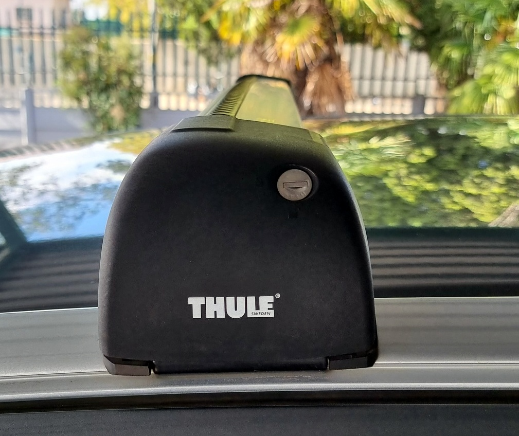 Thule Ranger 90 Roof box and roof rack