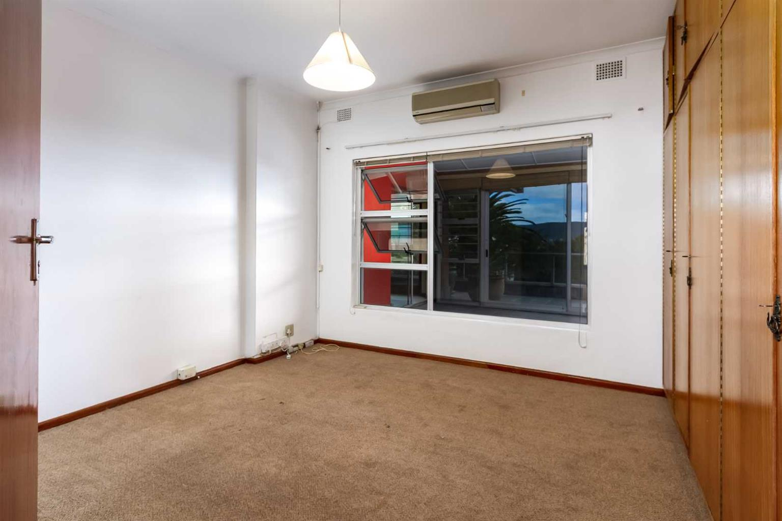 House For Sale in Vredehoek