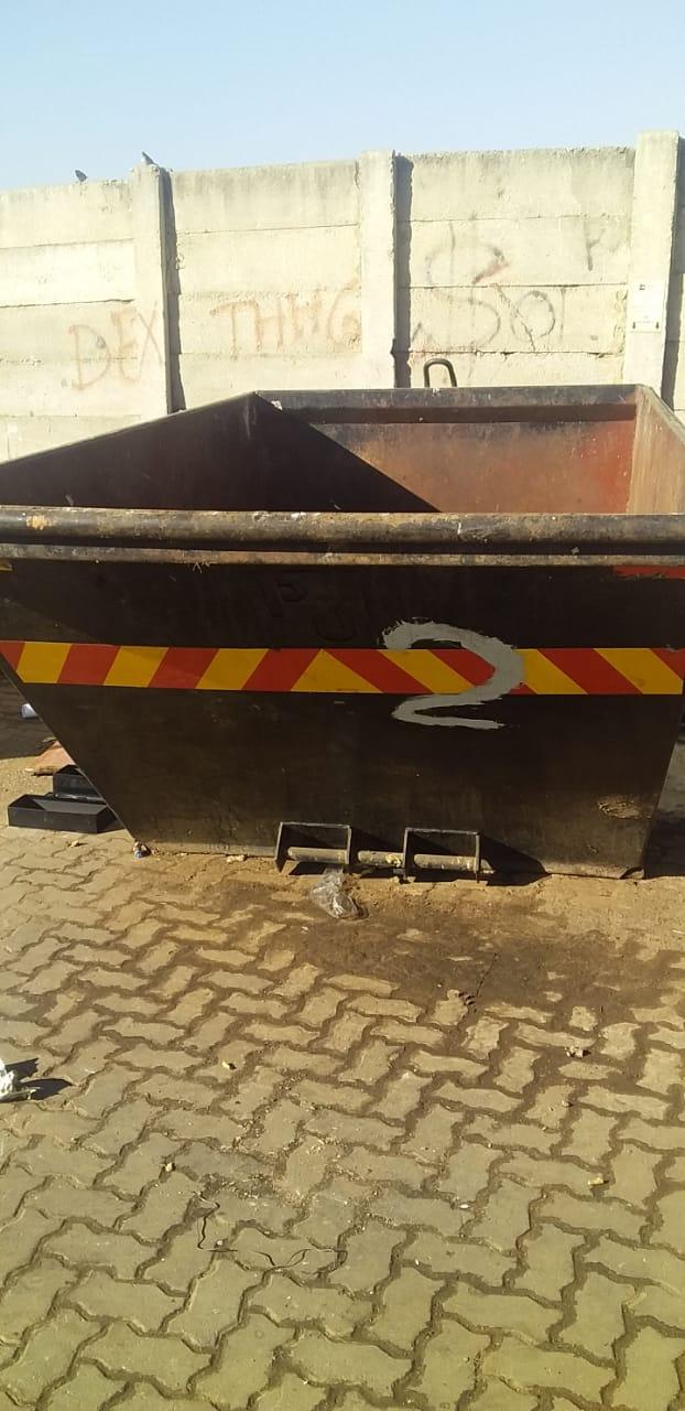 I am selling my 3 x wast bins
