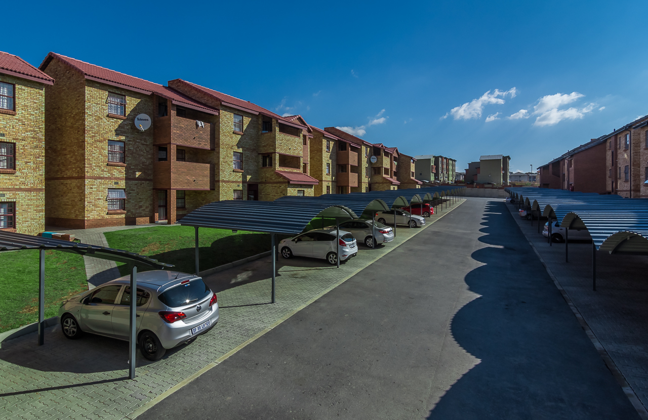 2 BEDROOM 1 BATH TO LET IN MIDRAND WITH 1 MONTH RENT FREE