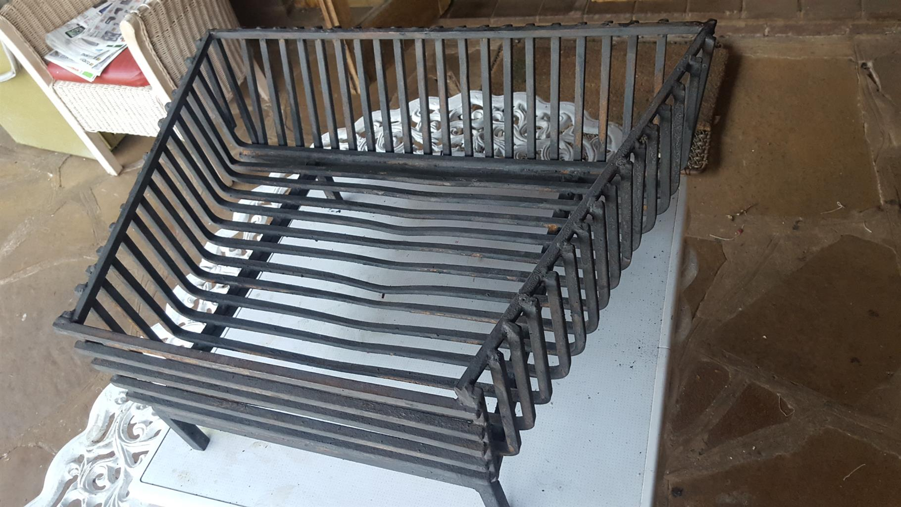 Large trapezoid firegrate