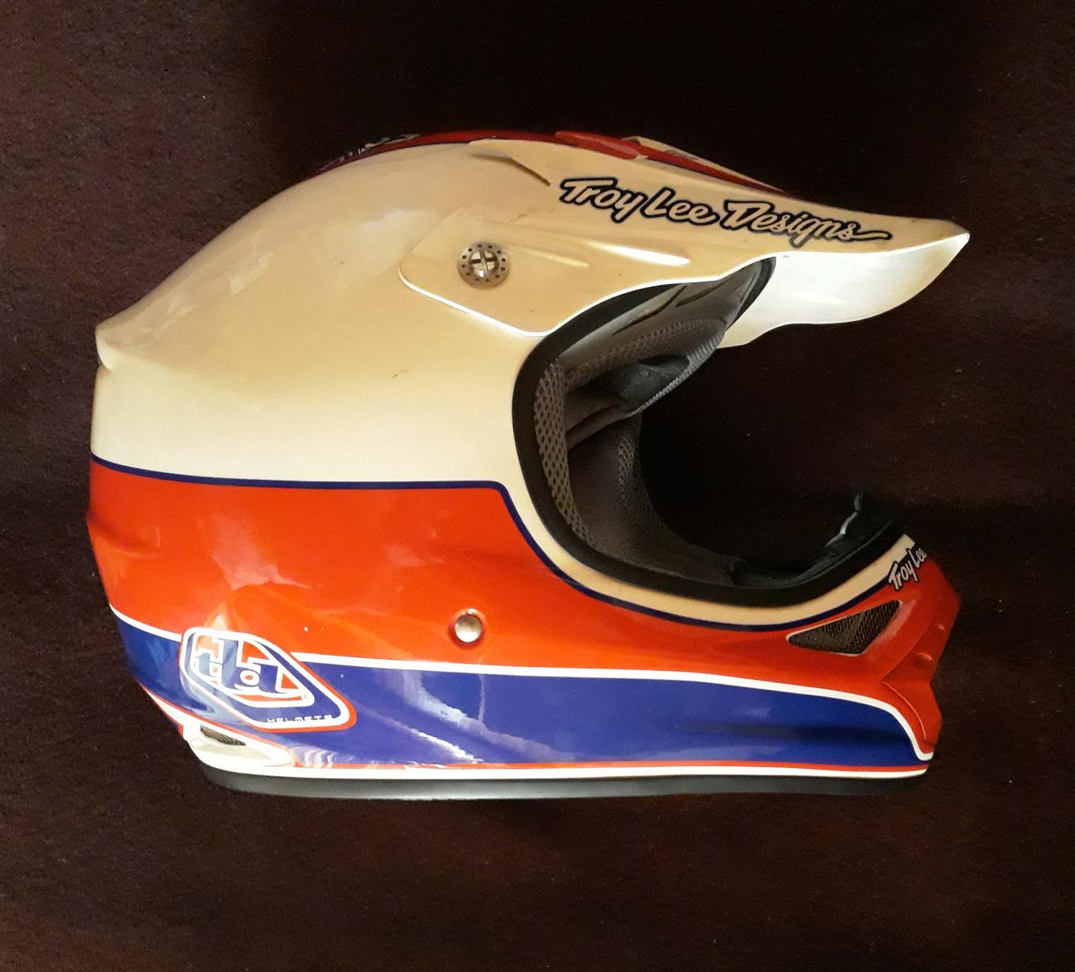 TROY LEE helmet
