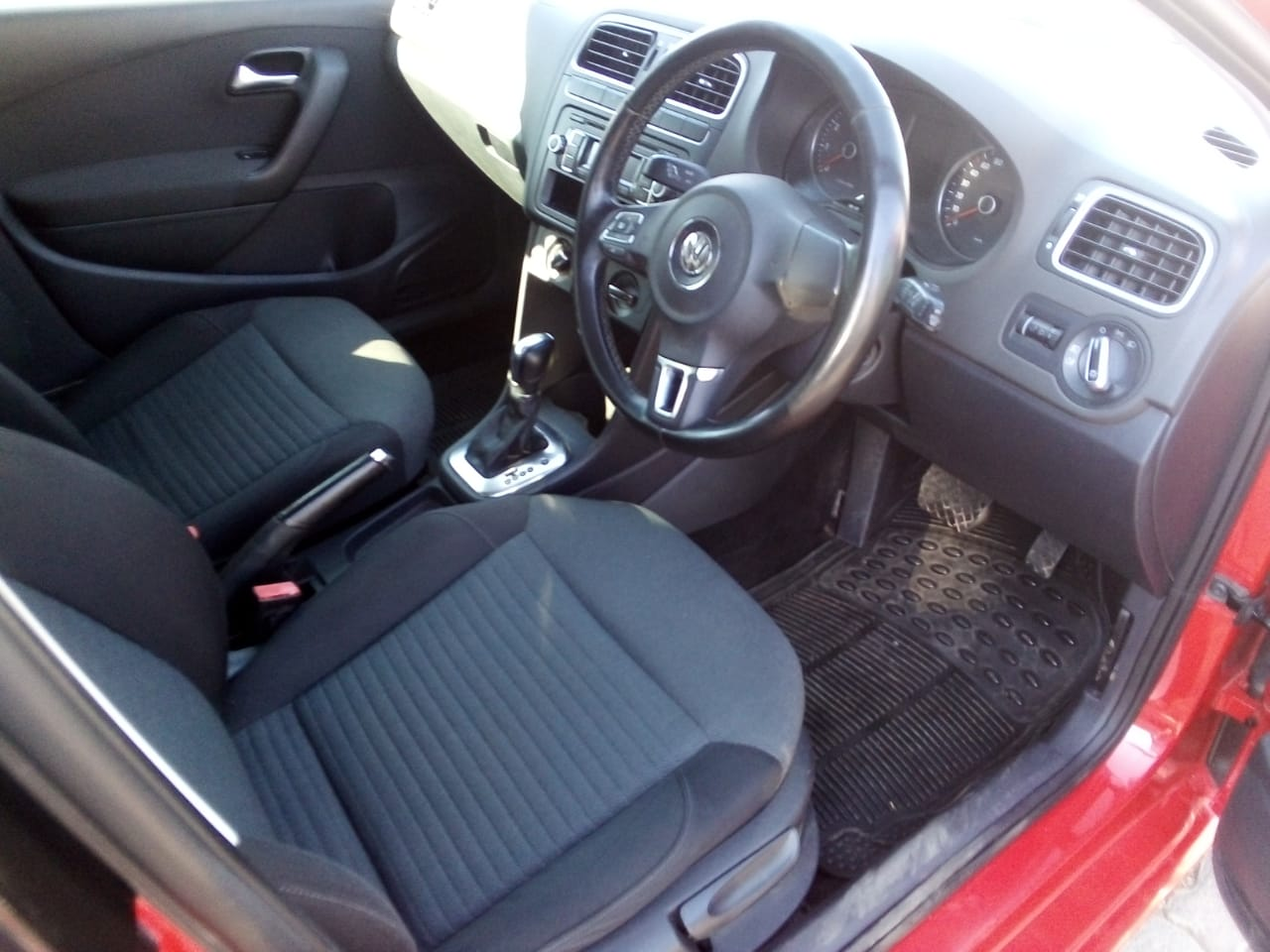 2014 VW Polo Vivo 5 door 1.4 Trendline auto