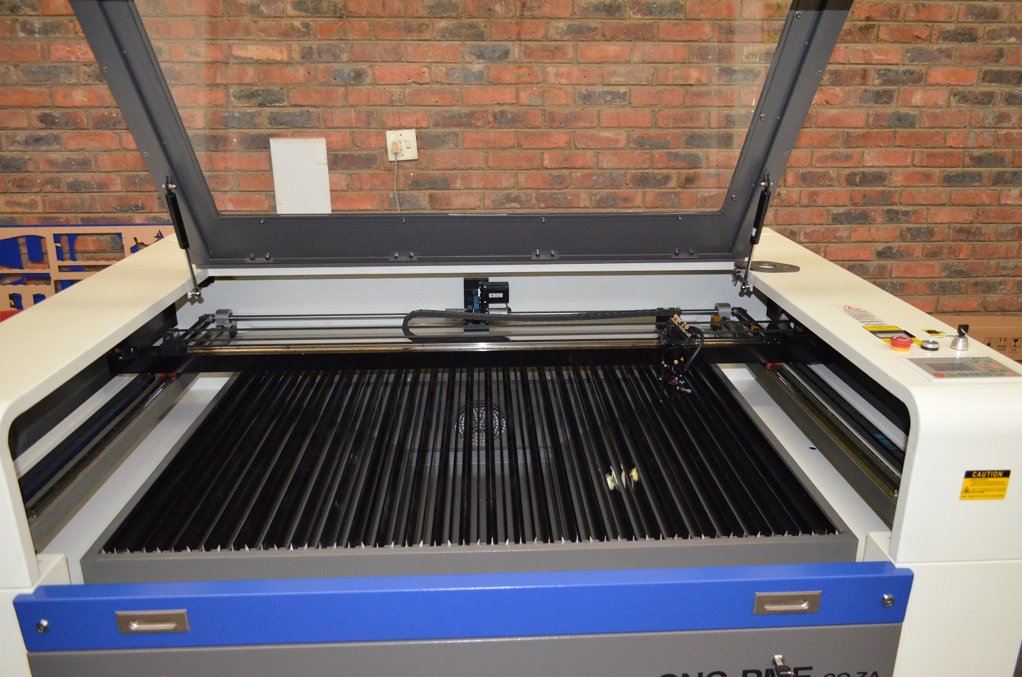 1300 x 900 mm Laser Cutter And engraver 100 watt