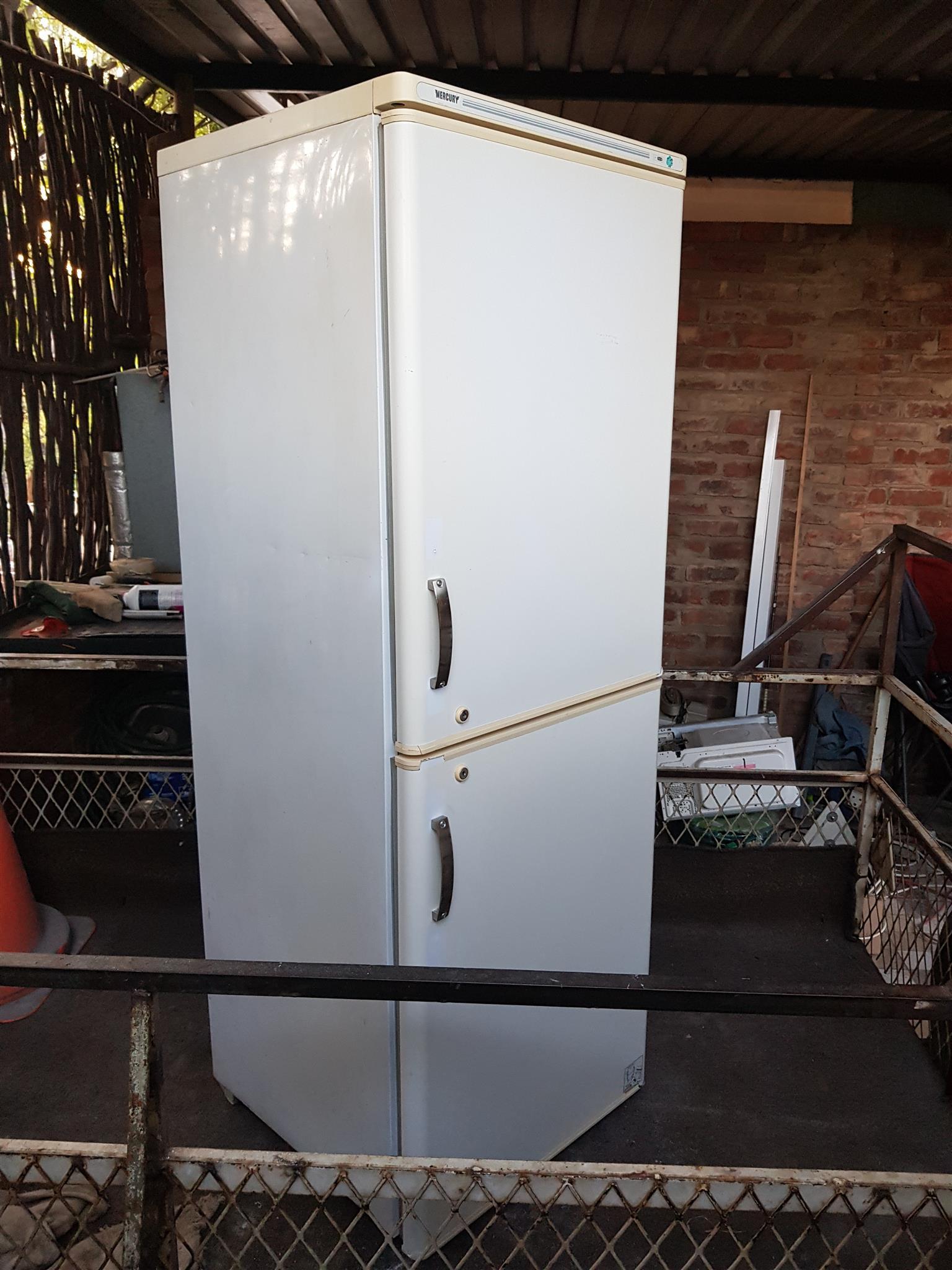 white mercury 300 liter double door fridge freezer combo. Black Bedroom Furniture Sets. Home Design Ideas