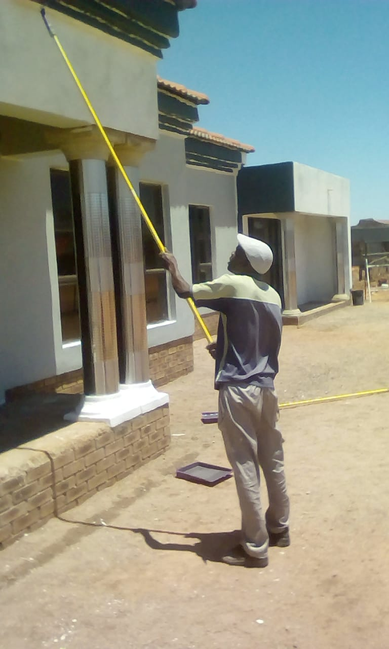 ZIMBABWE'S, BUILDER/TILER/PLUMBER/PAINTER AVAILABLE TO (0840333617)