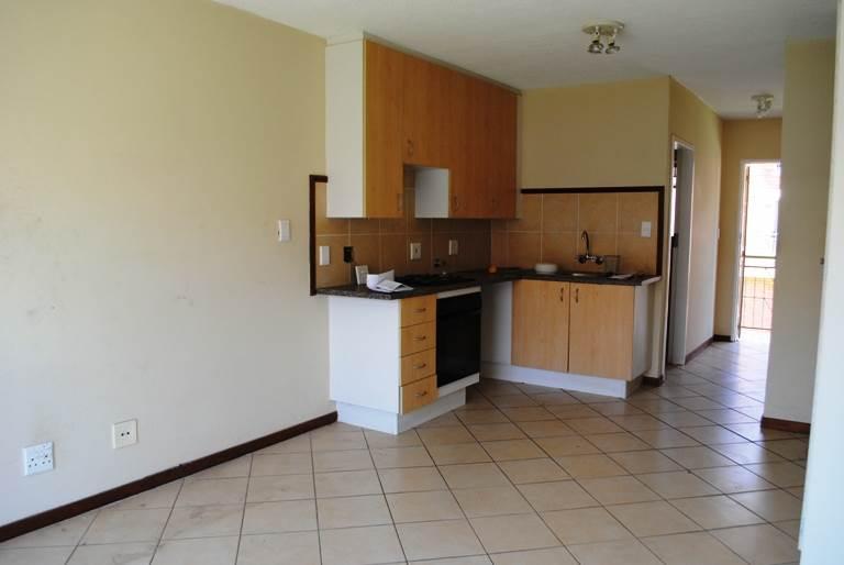 SANDTON 1bedroomed townhouse to rent on KATHERINE Avenue Rental R4900