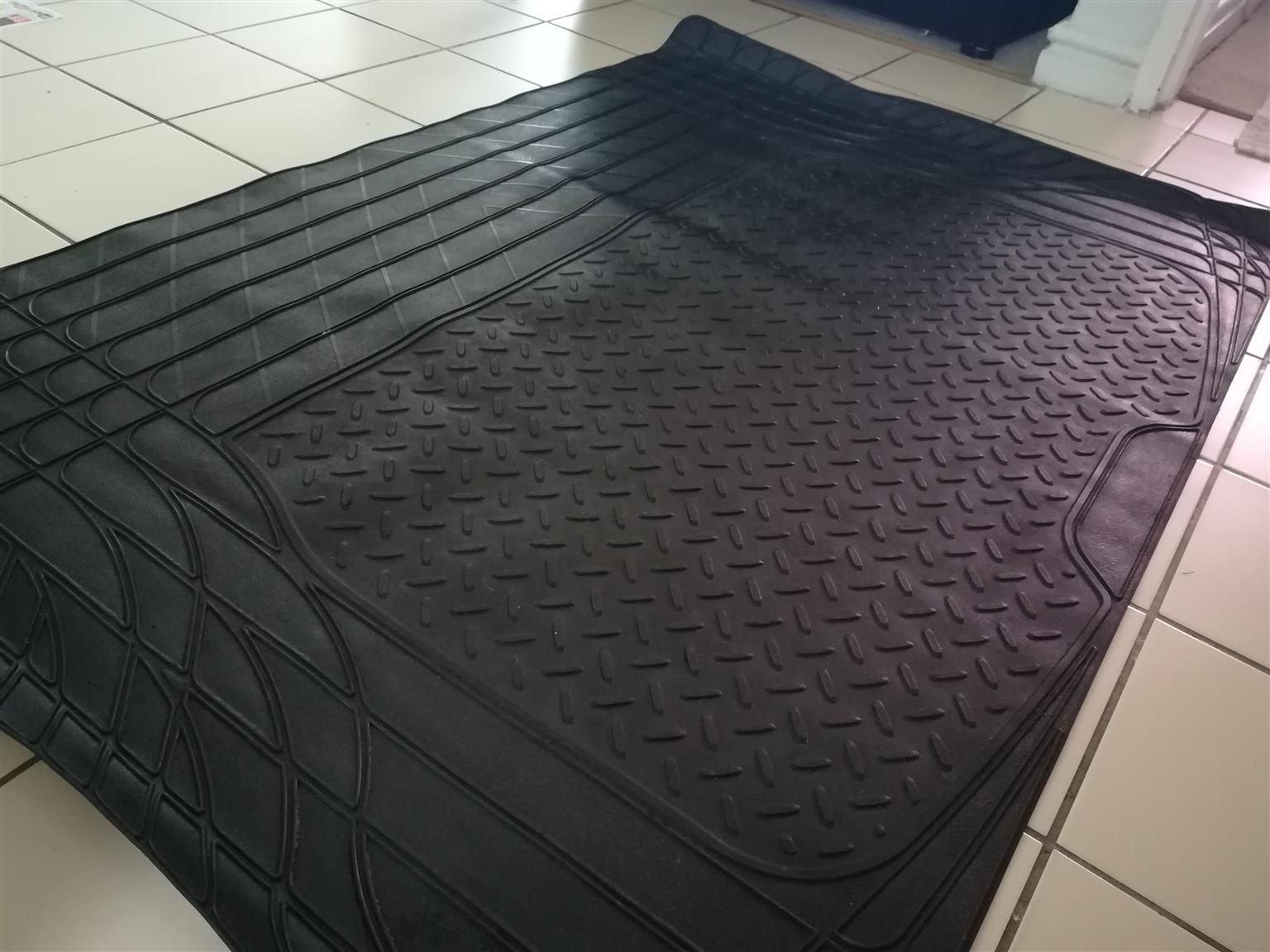 Car Rubber Boot Mat