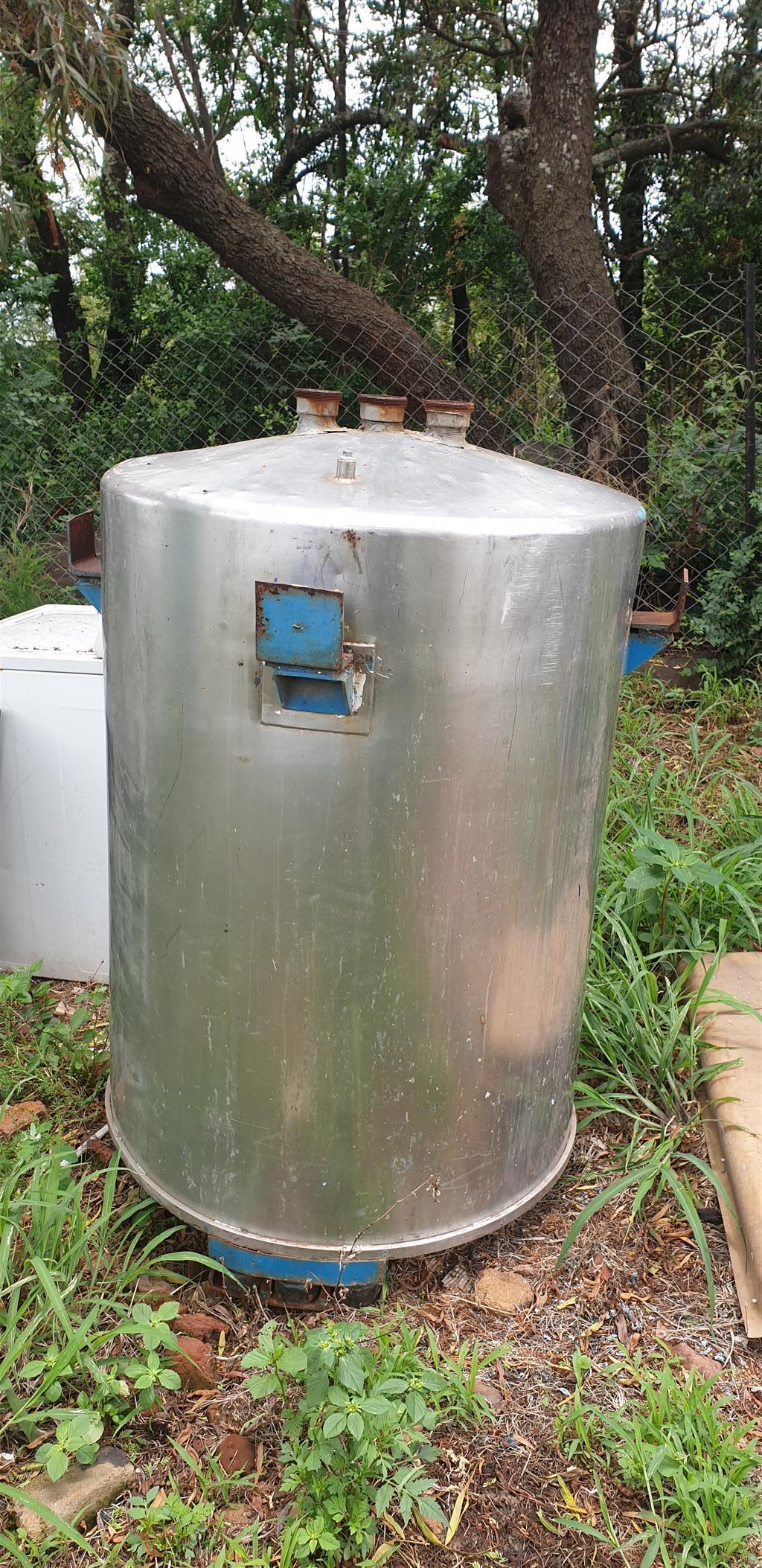 Stainless steel tank 1.2m highx900diameter