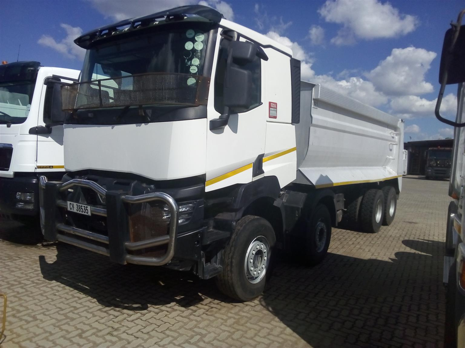 Excellent Renault 20m3 Construction trucks. Be first!