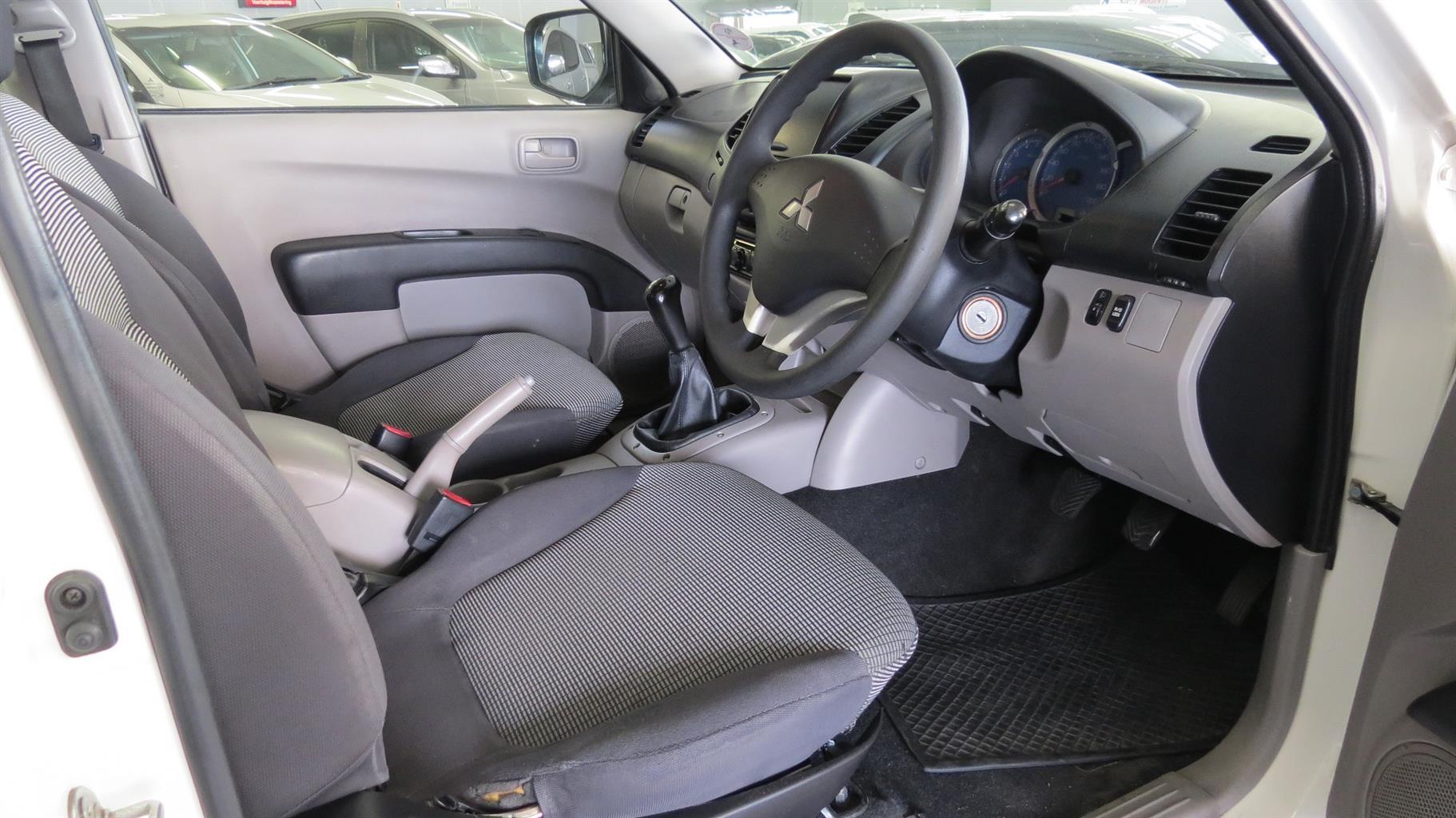 2010 Mitsubishi Triton 2.5DI D ClubCab