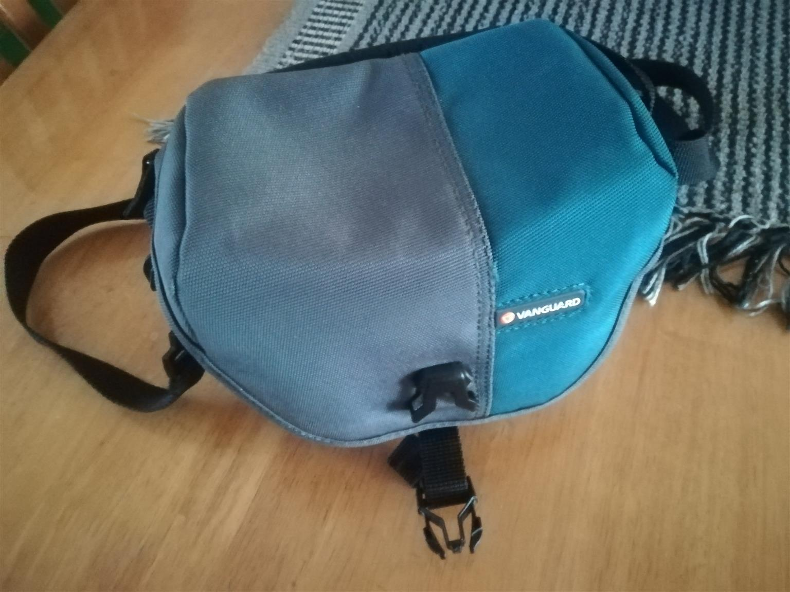 Canon Powershot SX410 with carrybag