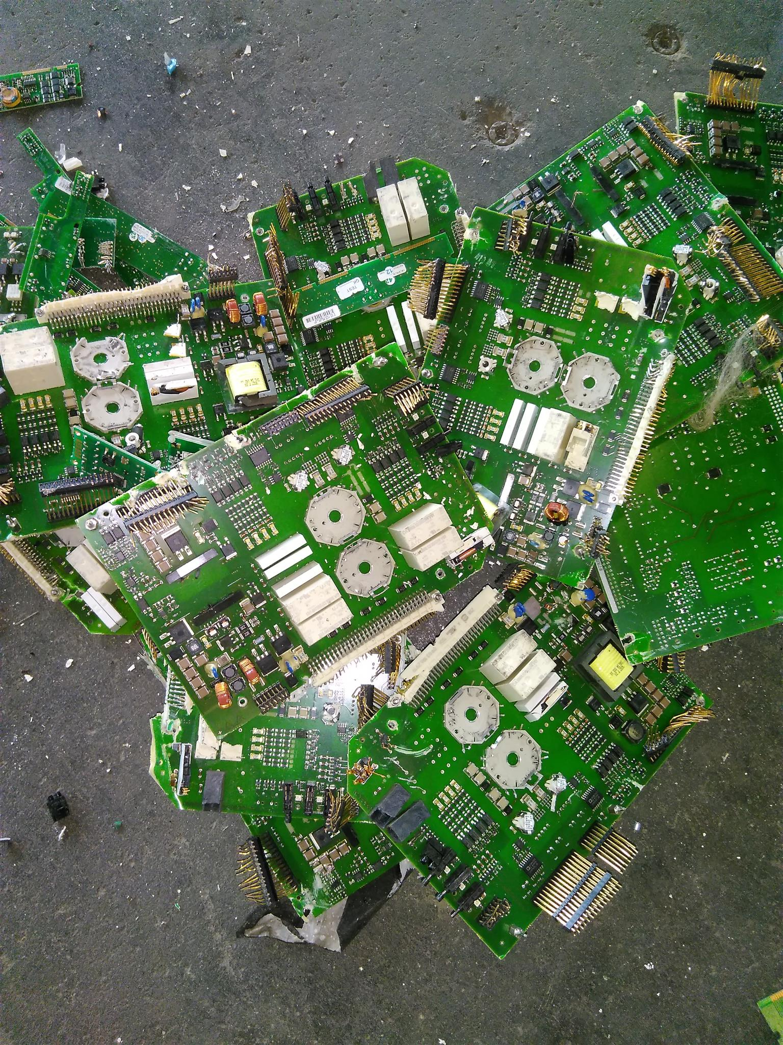 We buy all damaged broken Electronics components