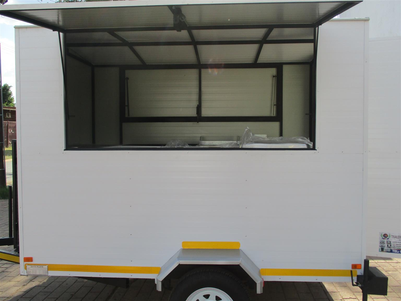 BUY AND COLLECT OUR MOBILE KITCHENS