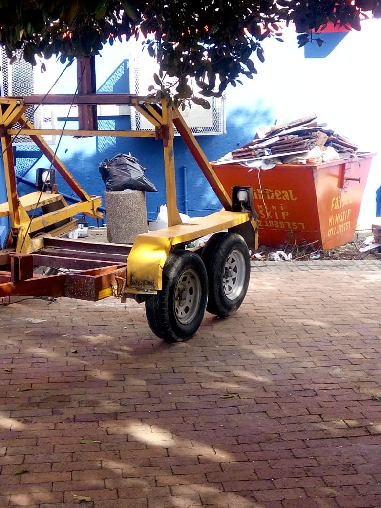 MINI SKIP BIN AND REMOVAL - FOR HIRE BY FAIRDEAL