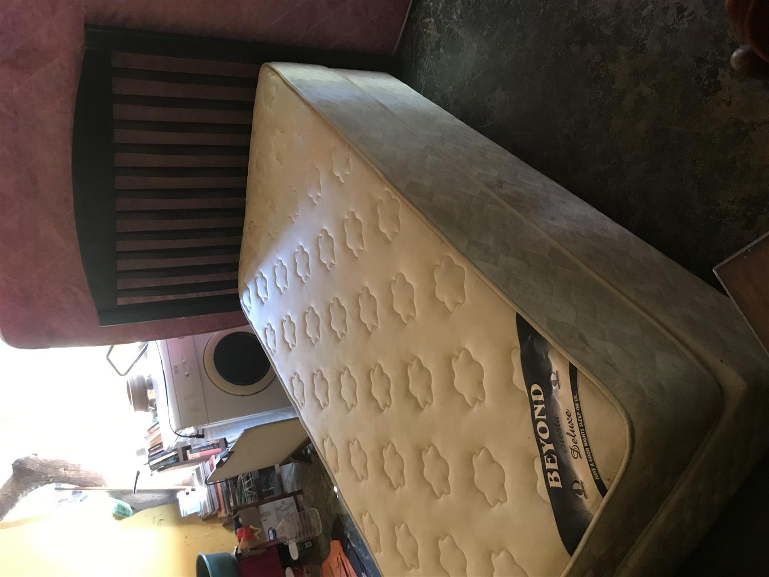 Single XL base & mattress
