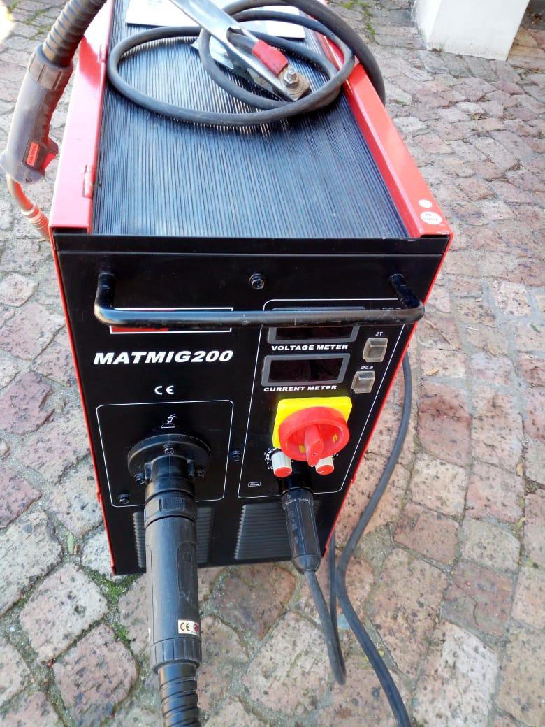 200amp Matweld Mig Co2 Welding Machine Like New Plus Accessories Junk Mail