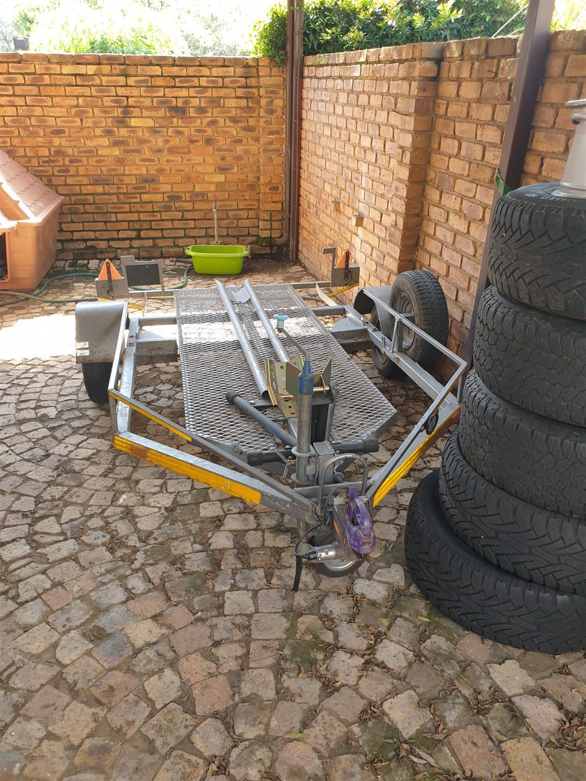 Easy loader bike trailer