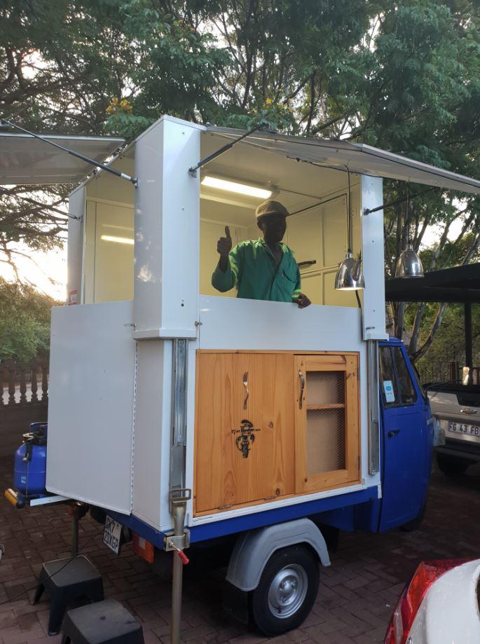 Piaggio (Vespa) Ape - Food Truck