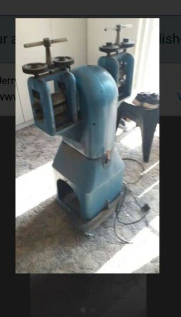 Electric roller mill