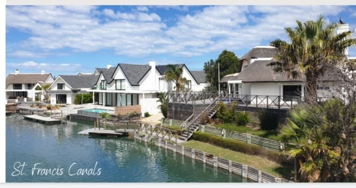 House For Sale in St Francis On Sea
