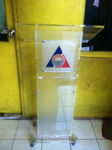 Acrylic Church Clear/Transparent Pulpit With Castors