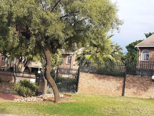 Townhouse For Sale in Moreleta Park