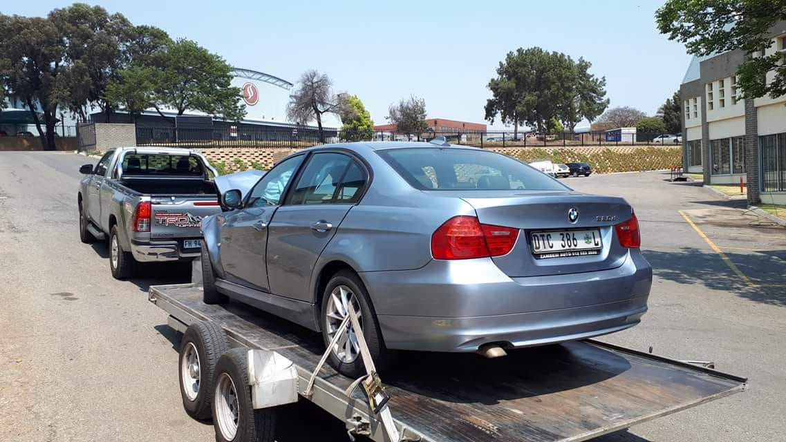 2011 Bmw E90 Lci 320d Stripping For Spares Junk Mail