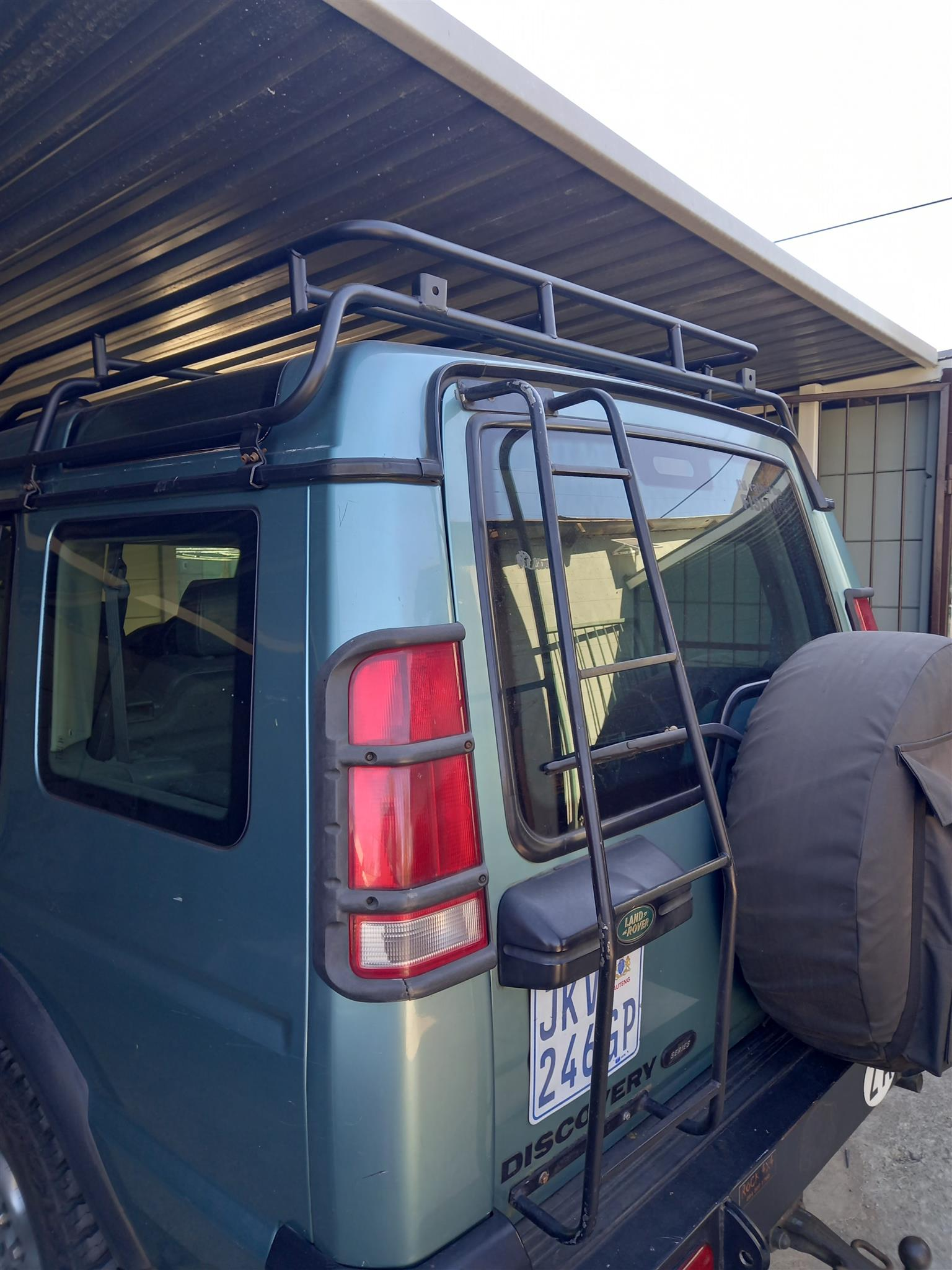 Land Rover Disco 1 and 2 Camel Roof Racks