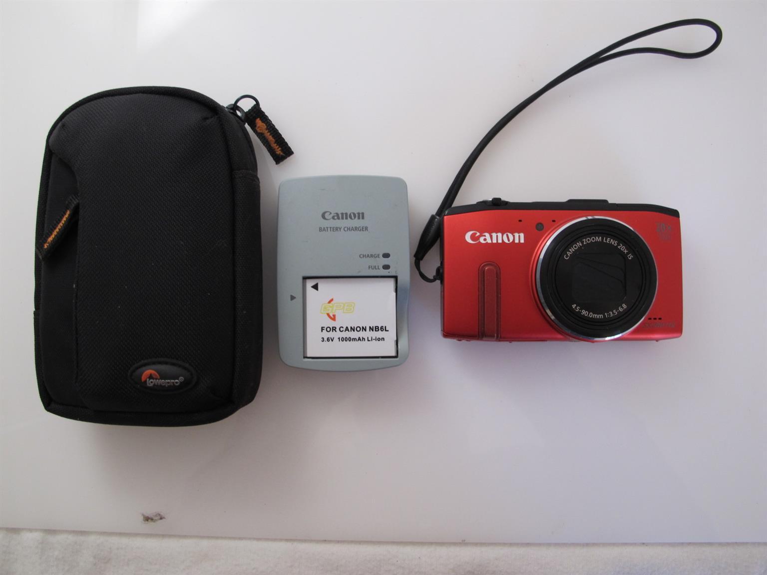 The Canon SX280 HS compact camera