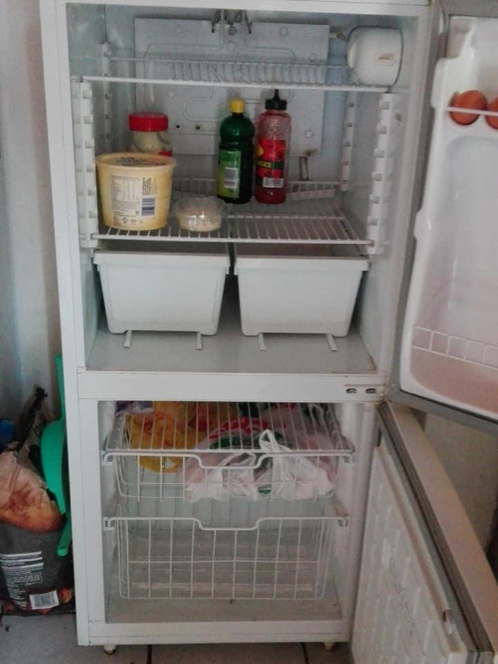 Fridge with bottom freezer for sale