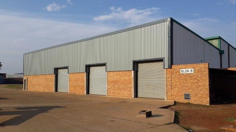 7000 sqm Industrial Factory in NIGEL for sale.