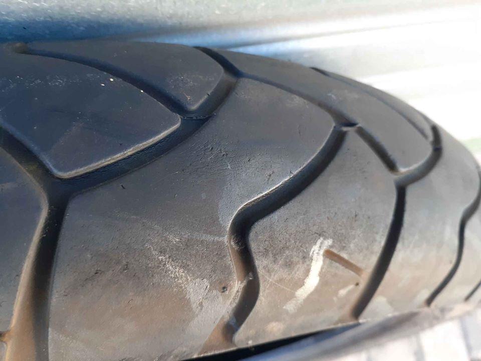 Bike tyre Motorcycle tyre Bridgestone Battle Wing road tyre For Sale. Rear has 90% threat left