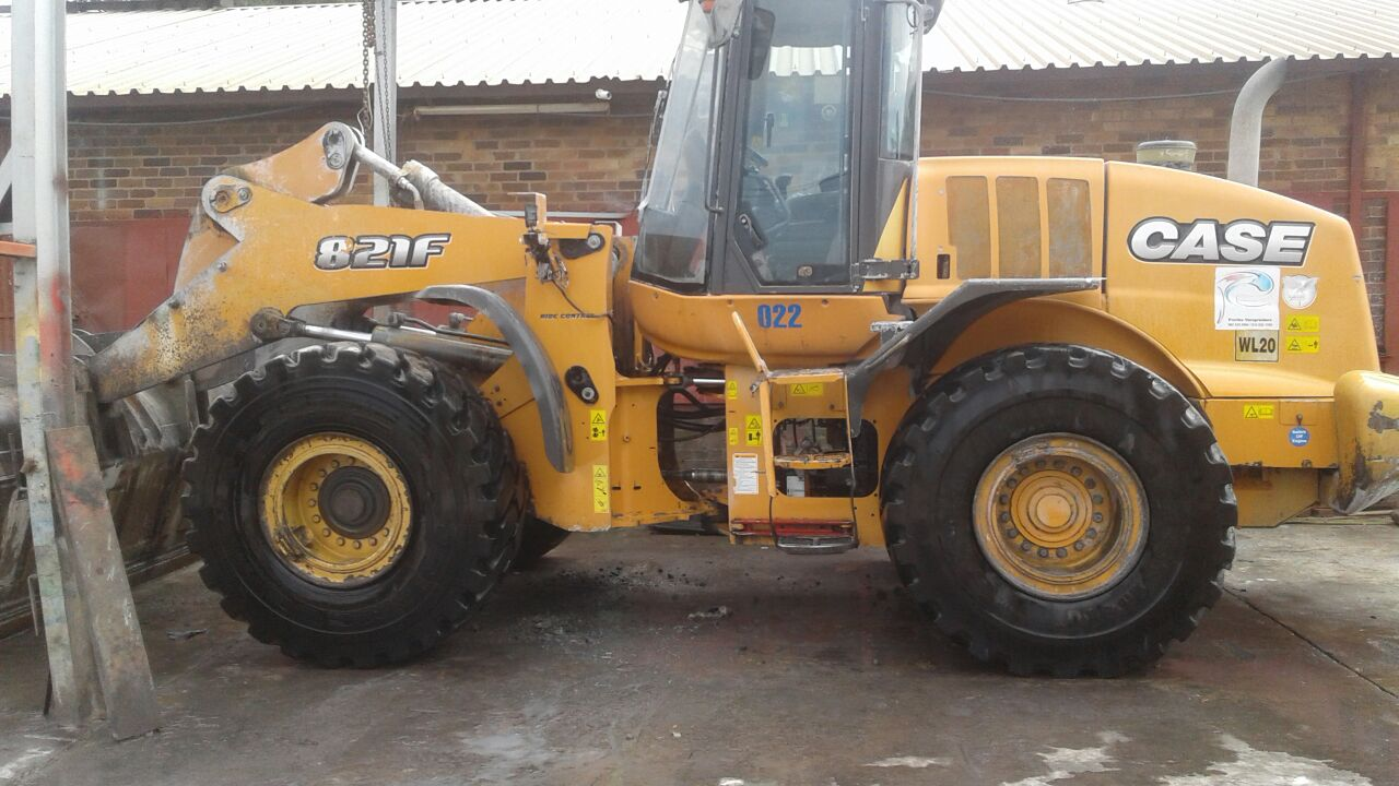 FRONT END LOADER CONSTRUCTION 821F CASE FOR SALE