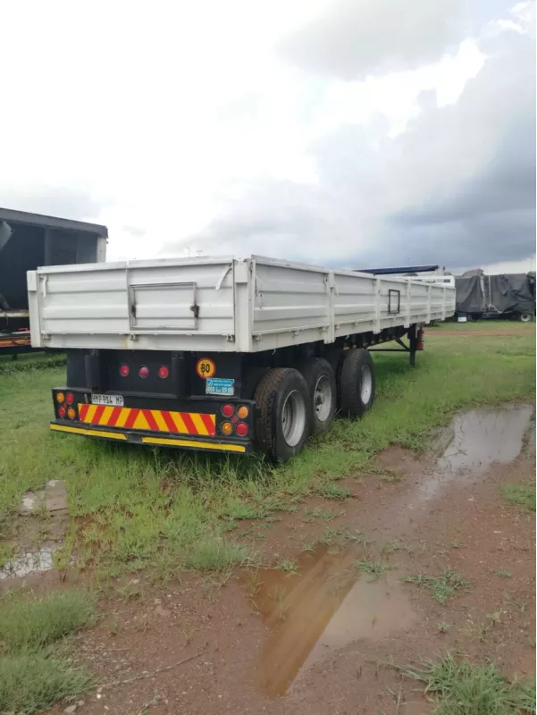 Ubuntu Truck, Trailers for sale